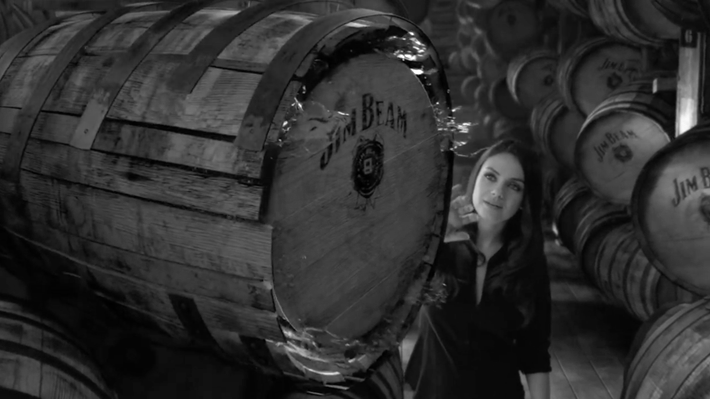 Trop Bon Trop Com - #TBTC Jim Beam : A Look Inside avec Mila Kunis