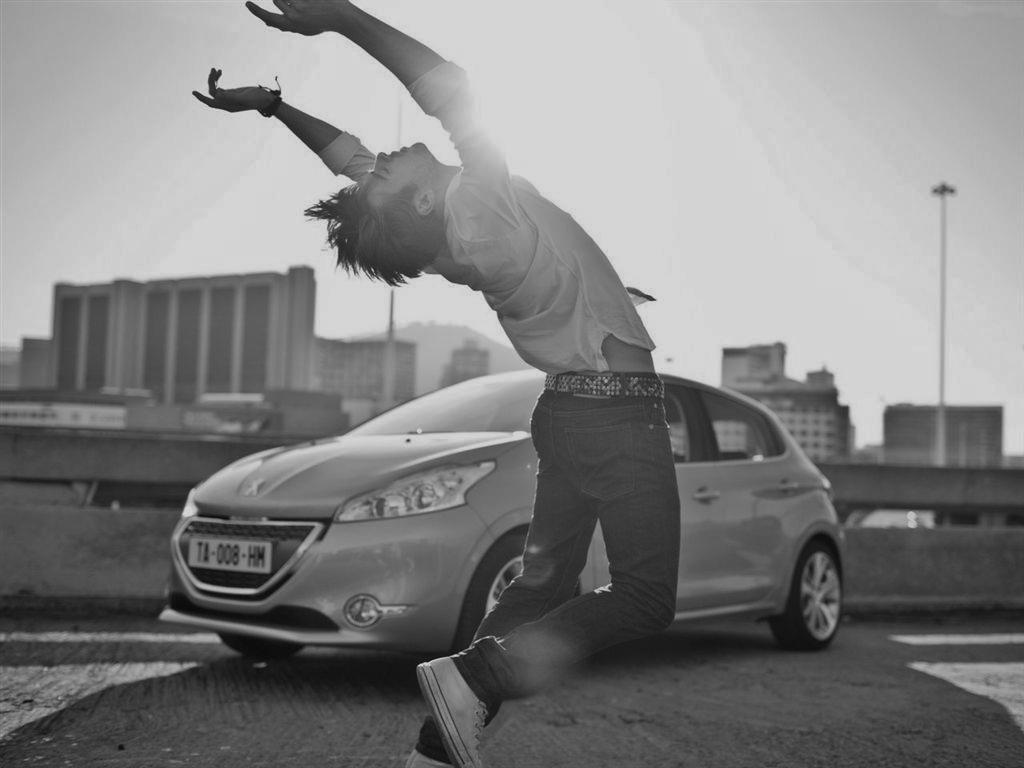 Trop Bon Trop Com - #TBTC Peugeot 208 - 2012